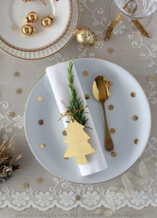 Après l'achat des cadeaux, la décoration du sapin c'est autour de la table d'être parée ! www.soodeco.fr/