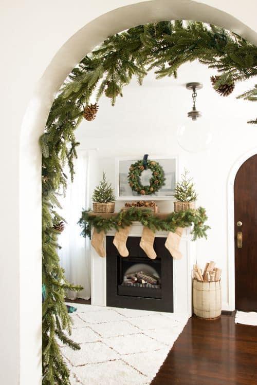 Décorer sa cheminée pour Noël www.soodeco.fr/