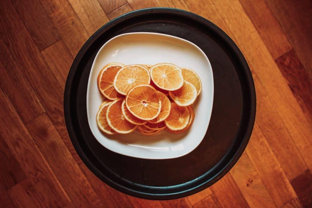 Guirlande d'oranges DIY www.soodeco.fr/