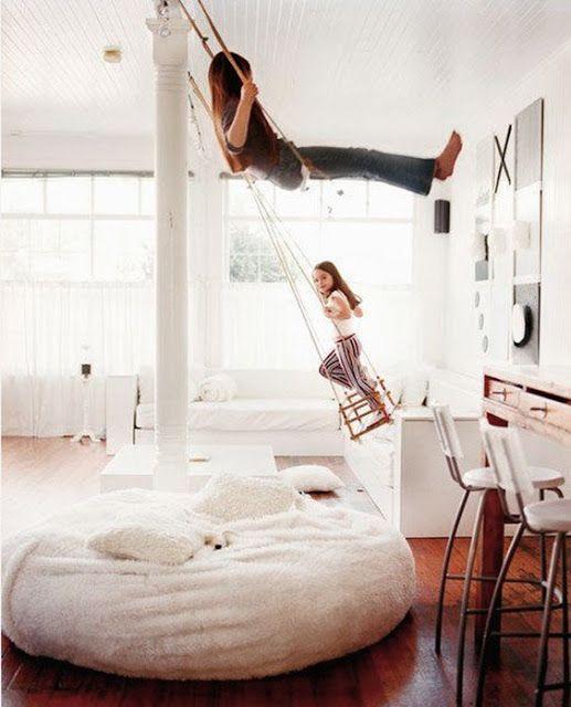 Parce que d'un certain côté nous sommes tous de grands enfants aux rêves d'évasion ! Voici 10 décorations pleines d'imagination et de créativité : www.soodeco.fr