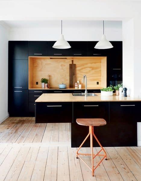 Adopter le noir dans sa cuisine sans la rendre sombre ! www.soodeco.fr/