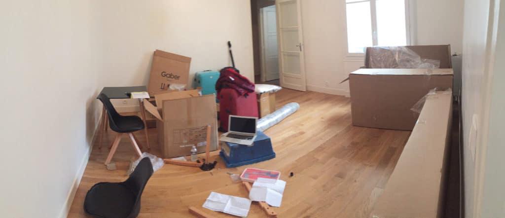 Quelques jours seulement après le début de notre recherche, une collègue de travail de l'amoureux nous a proposé de visiter son appartement qu'elle allait bientôt quitter. Nous n'étions pas encore fixés sur l'arrondissement que nous recherchions (entre Boulogne et Saint-Ouen idéalement), sur la superficie, le montant du loyer …