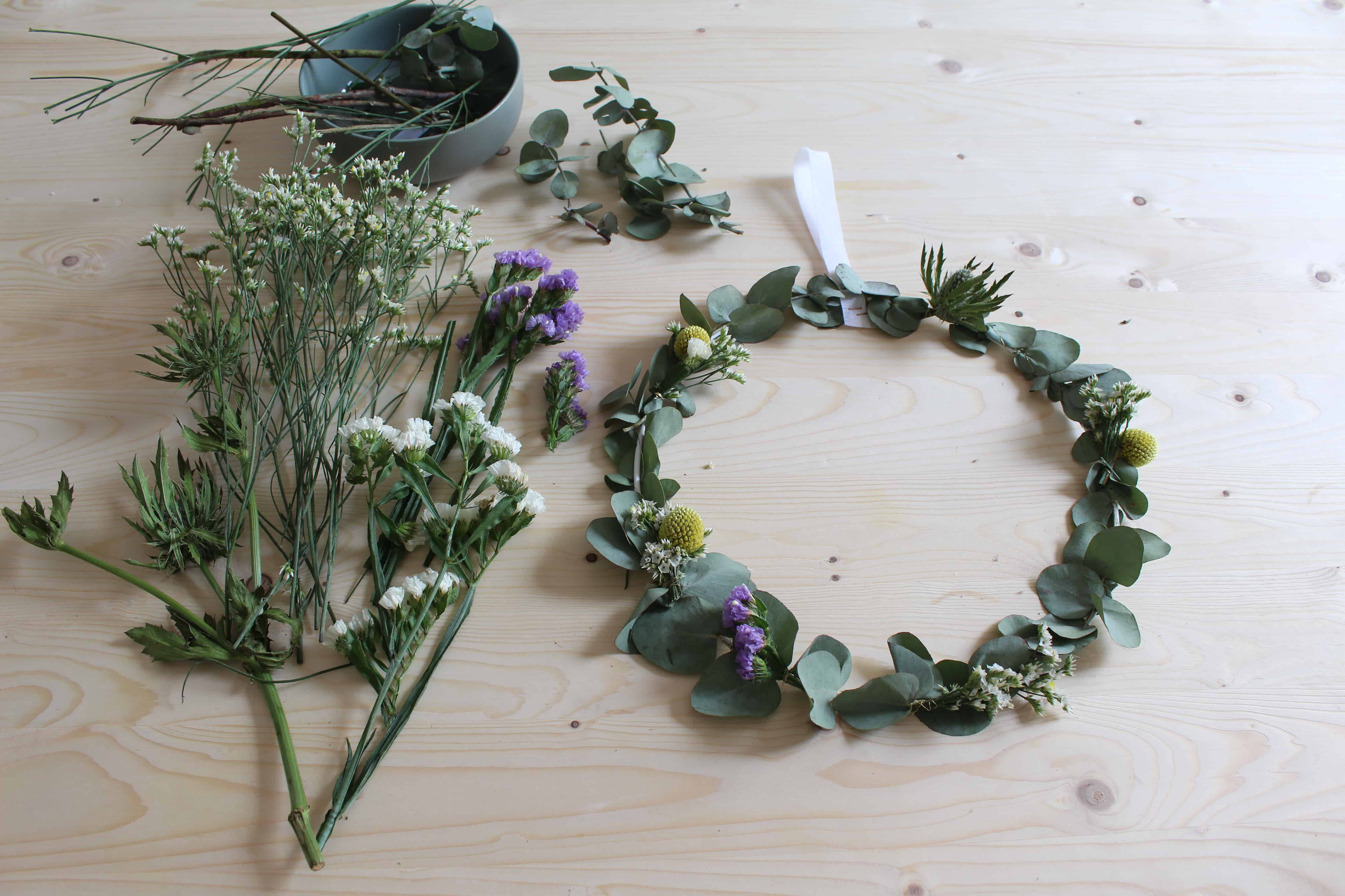 Couronne de fleurs déco DIY www.soodeco.fr/