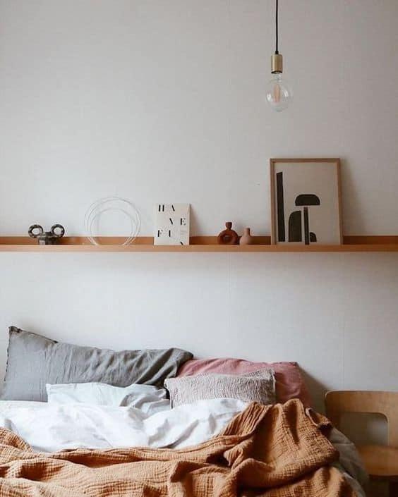 La chambre est une pièce clé de la maison, c'est dans cette pièce que chaque journée commence et finie. C'est pour cela que rien ne doit être laissé au hasard pour rendre sa chambre plus agréable.