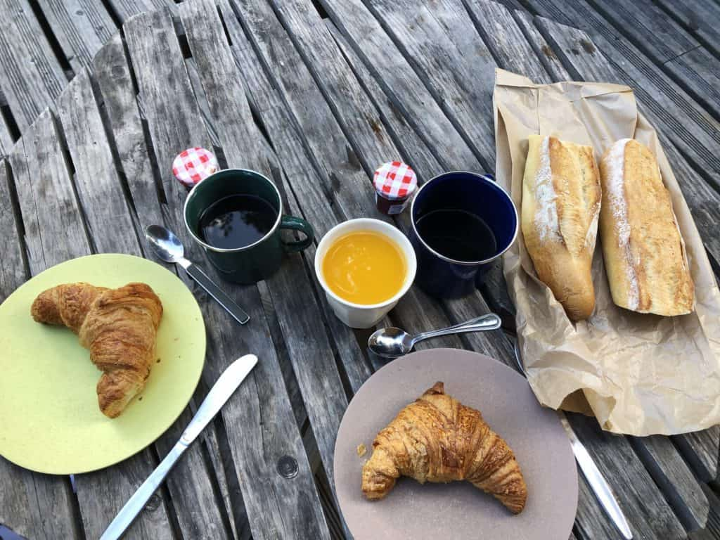 Un petit déjeuner perché www.soodeco.fr/