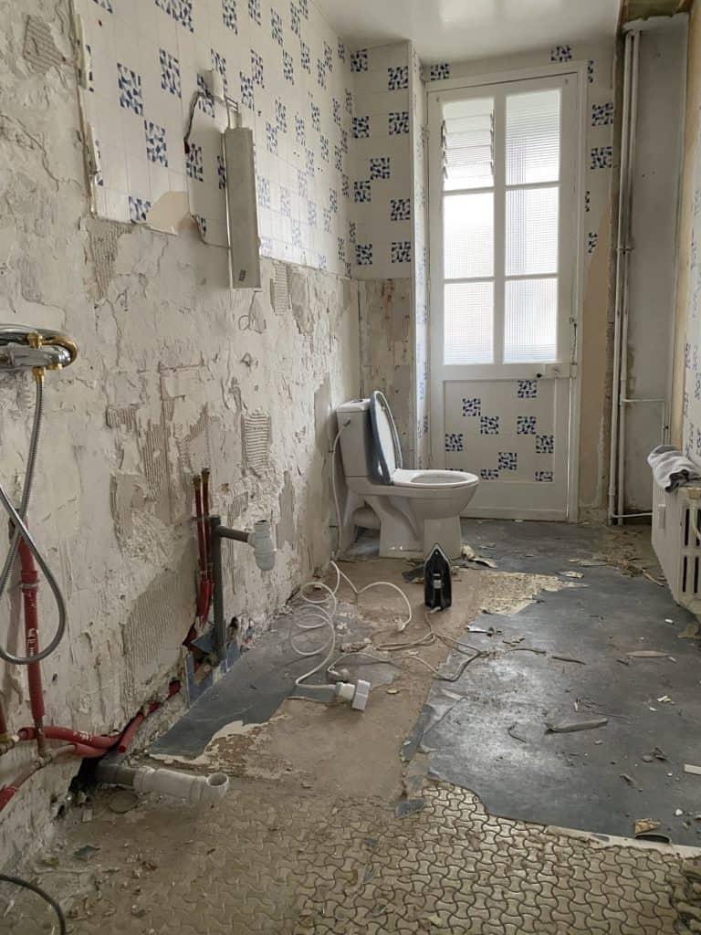 Salle de bain enlever lino au sol