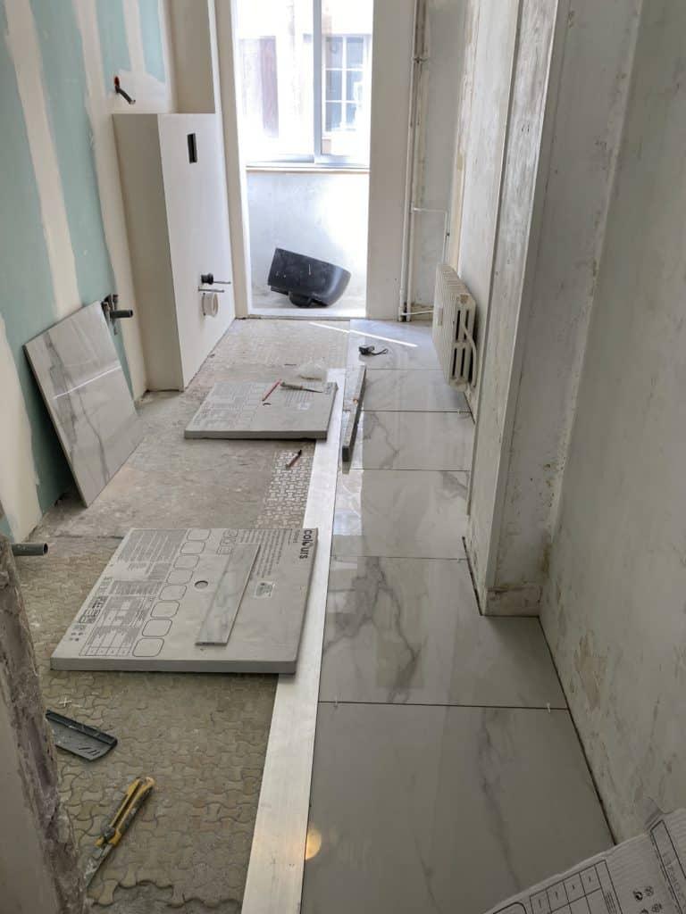 Salle de bain rénovation des sols visualisation carreaux