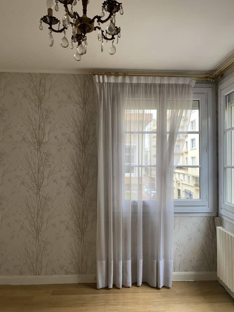 Chambre rénovation papier peint mur parquet abimé