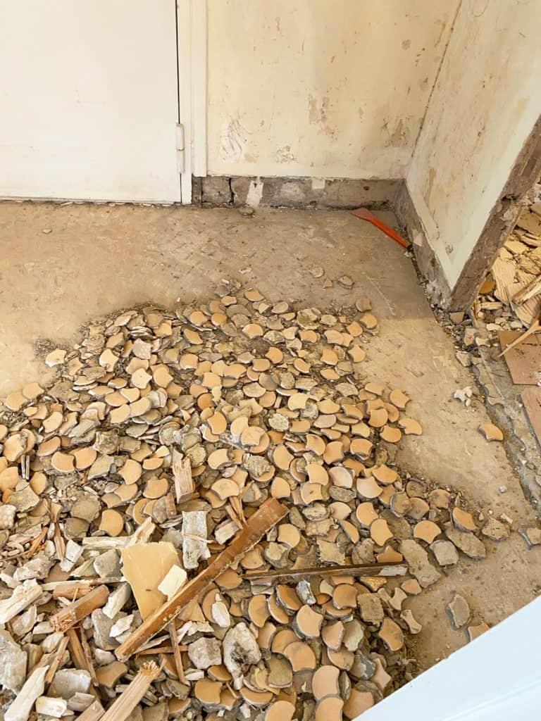 Démolition carrelage entrée rénovation ouvrir entrée sur salon