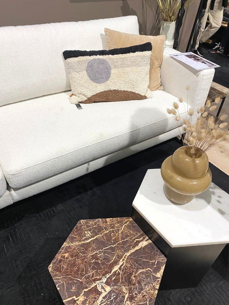 Table d'appoint marbre canapé bouclette blanc
