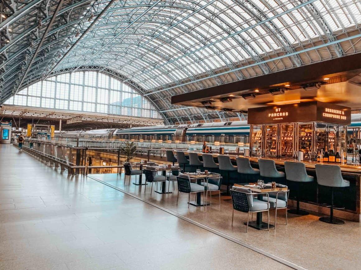Gare Saint Pancras Londres London Train Station